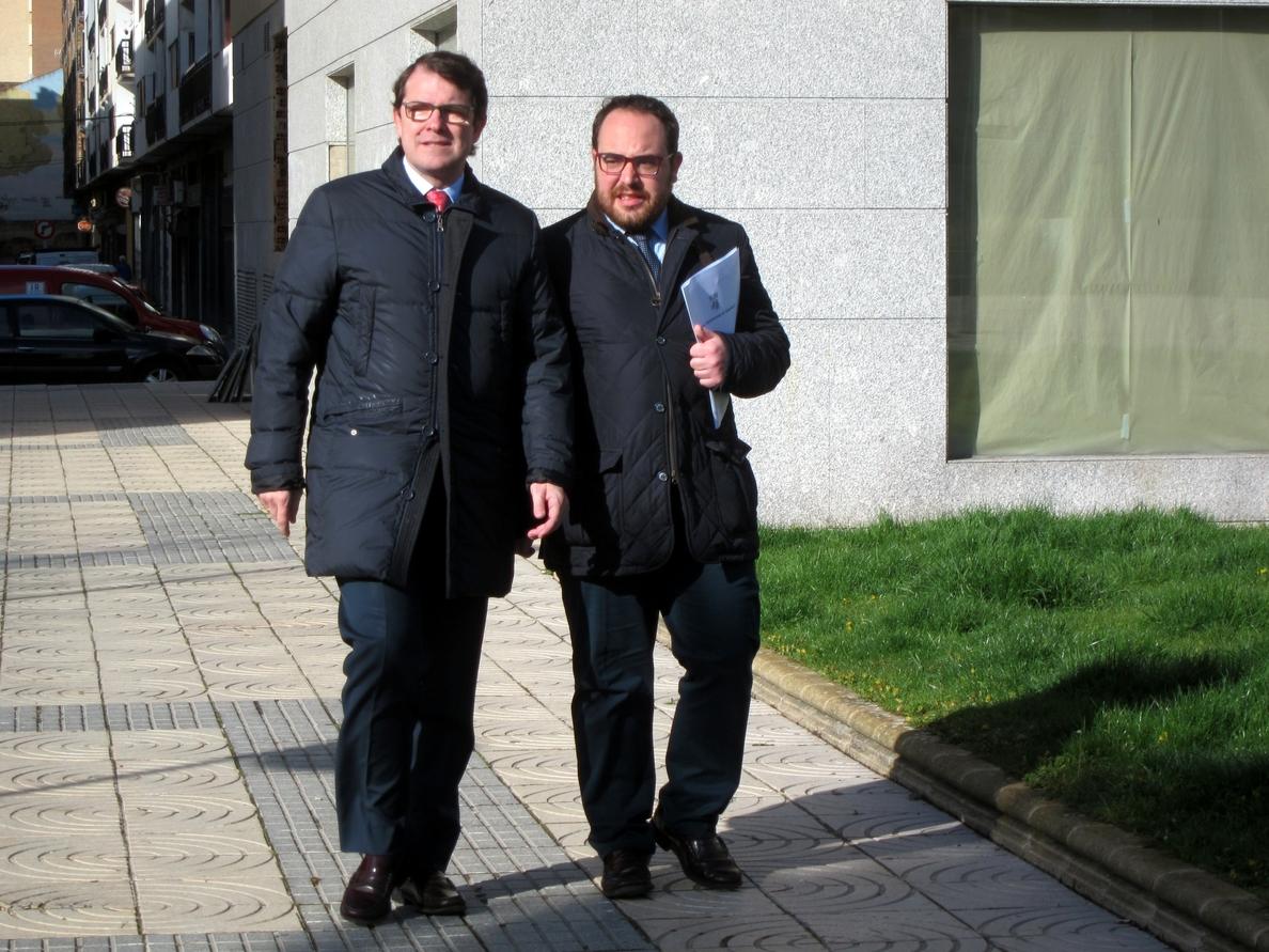 Piden explicaciones a Óscar Puente, portavoz del PSOE por un máster de su currículum