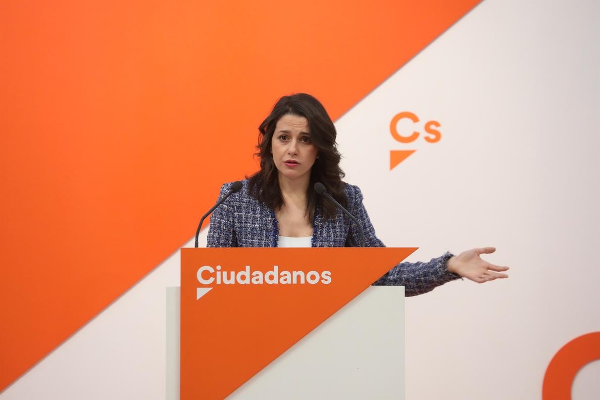 Arrimadas (Cs) insiste en que el PP designe a un sustituto «interino» de Cifuentes