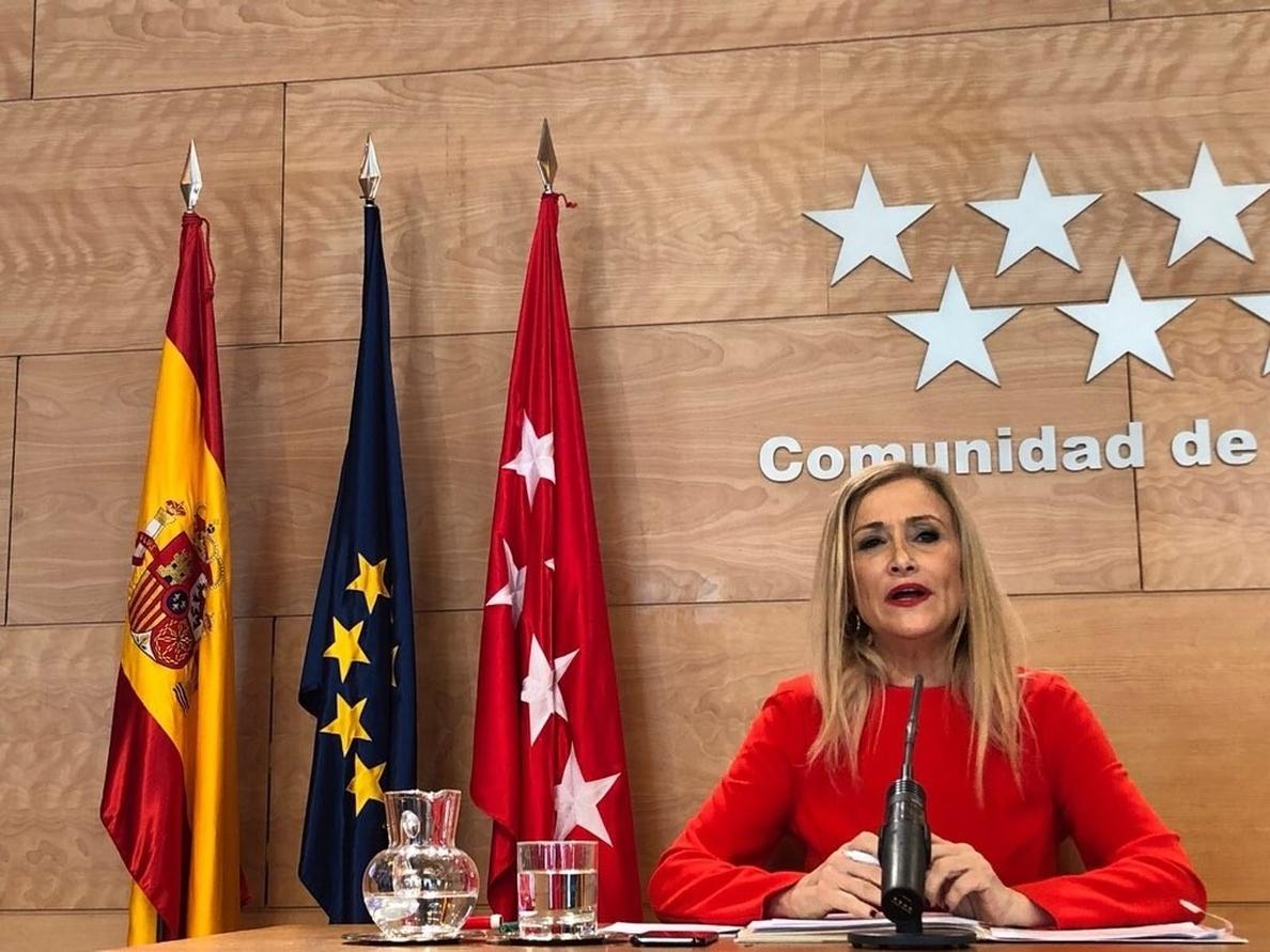 Cifuentes reitera que no dimite porque no ha cometido «irregularidades» y dice que tiene el apoyo de Rajoy