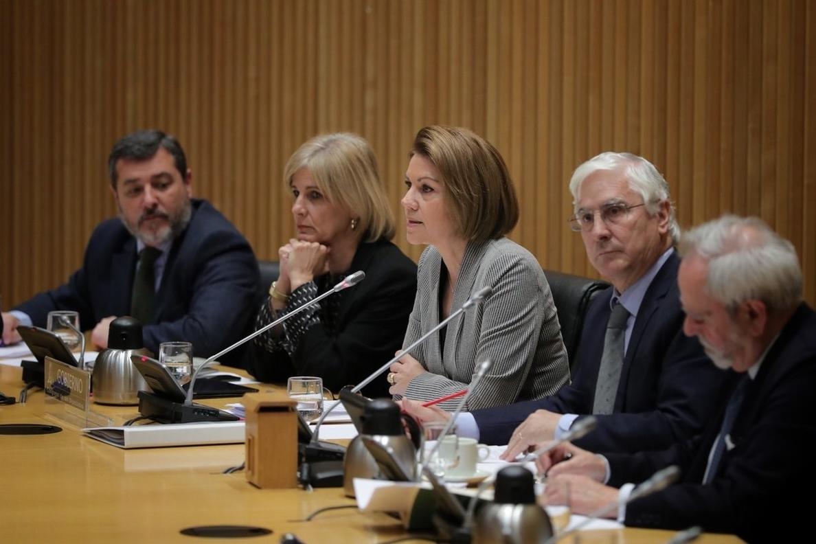 Cospedal asegura que las repatriaciones de miembros de la División las pagan las familias desde 2012