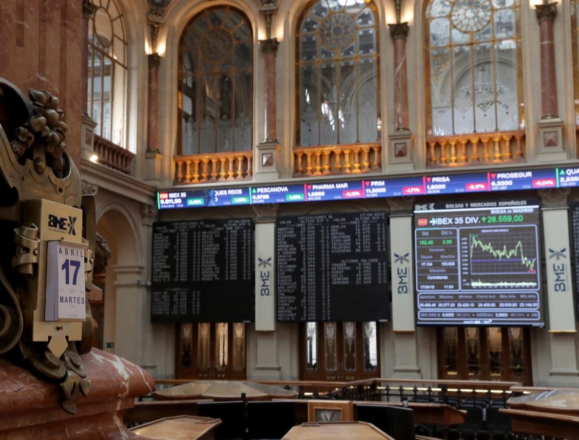 El IBEX sube un 0,38 % y logra los 9.800, animado por las bolsas europeas