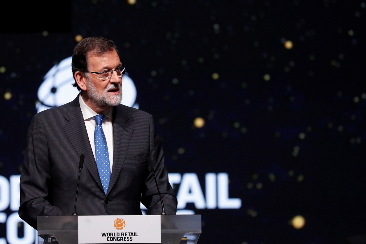 Rajoy aboga por la igualdad de condiciones para el comercio online y físico