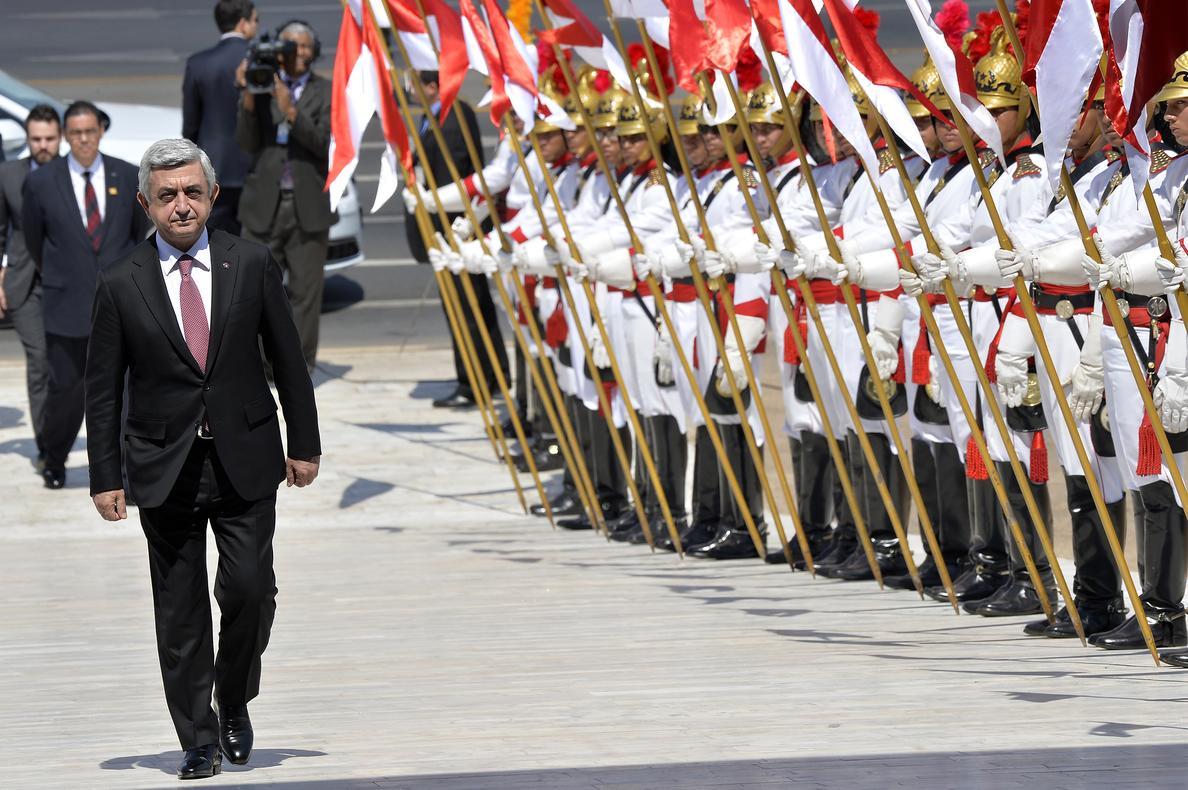 Sargsián, elegido primer ministro por el Parlamento armenio en medio de las protestas