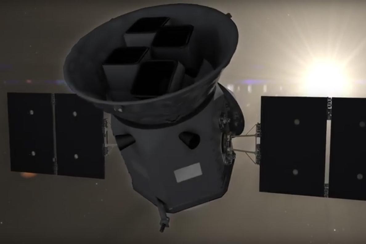 SpaceX retrasa el lanzamiento de un nuevo satélite para buscar planetas debido a un fallo técnico