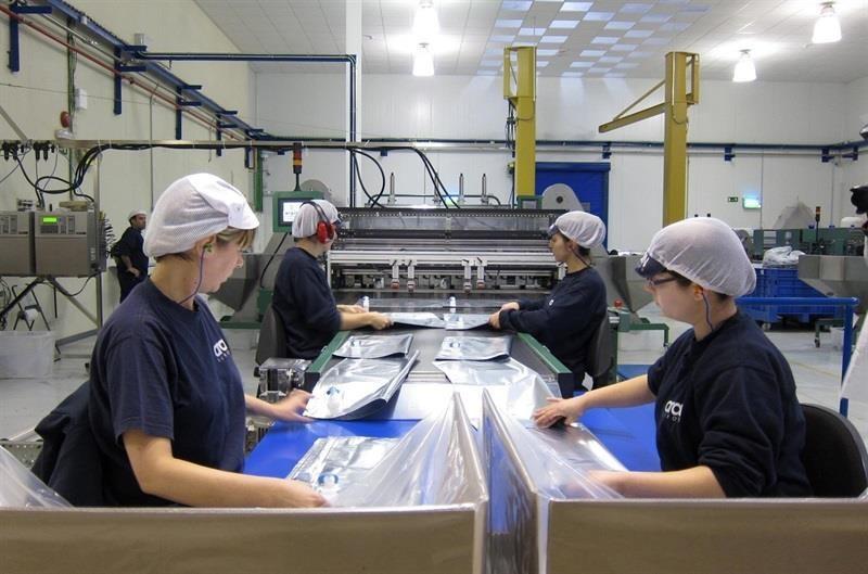 El coste laboral por hora trabajada en la industria es un 15% más bajo en España que en la UE
