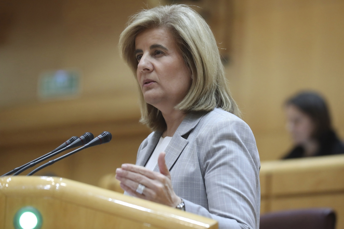 Báñez pide responsabilidad para aprobar unas cuentas que estimulan el empleo juvenil