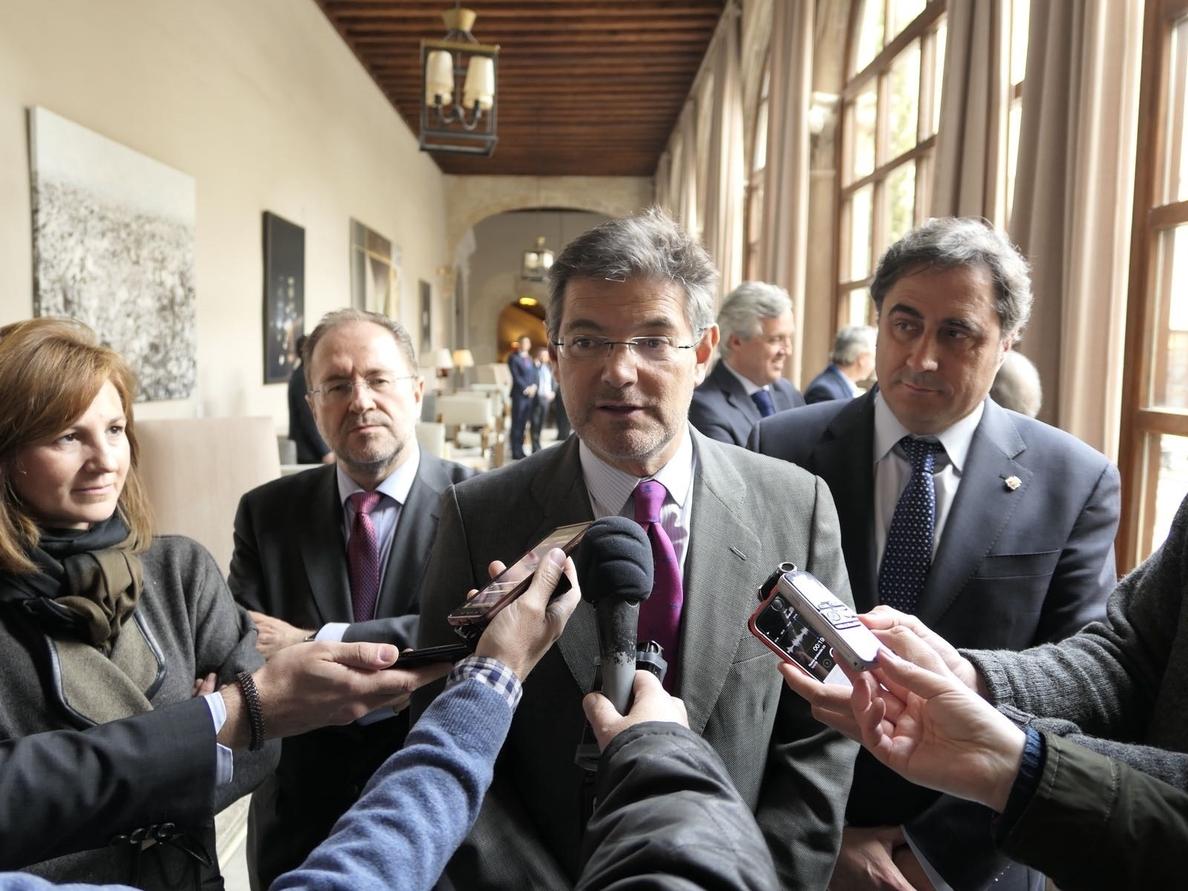 Catalá ve posible extraditar a Puigdemont por rebelión y confía en que la fiscalía alemana aún apoye al Supremo