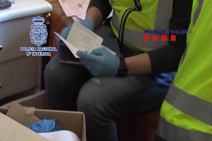 La Policía Nacional detiene a 46 personas acusadas de falsificación documental para obtener el carné de conducir