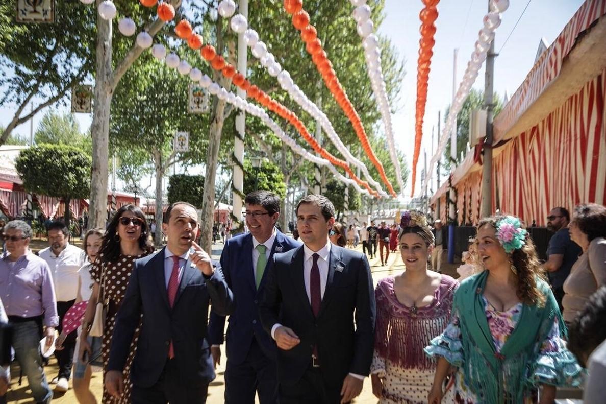 Rivera afirma que Cs puede ganar las elecciones en Andalucía y que el candidato lo decidirá la militancia en enero