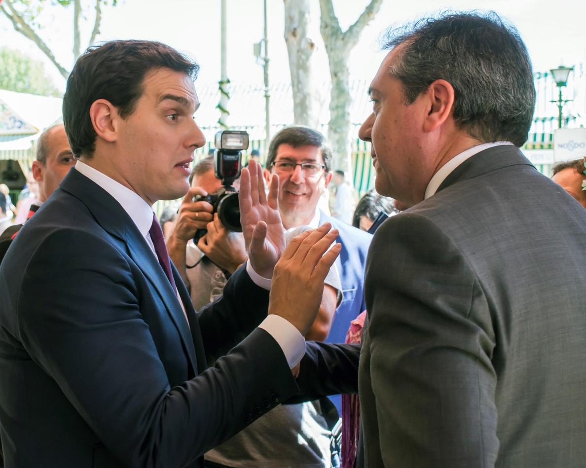 Rivera pregunta qué tiene que «tapar» Rajoy para no pedir dimisión Cifuentes