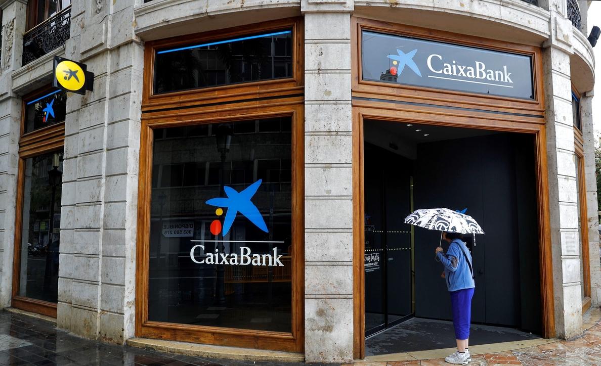 La Audiencia Nacional investiga a CaixaBank por un supuesto blanqueo de tramas chinas