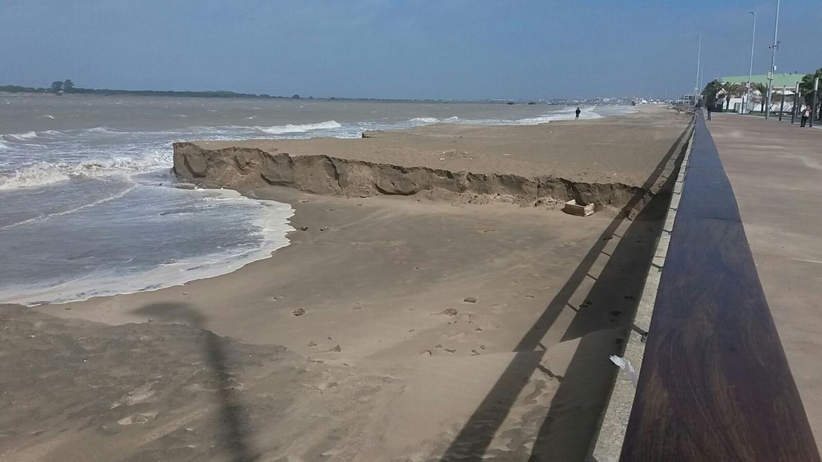 Medio Ambiente invertirá 20 millones de euros para paliar los daños del temporal en 67 playas de Cádiz