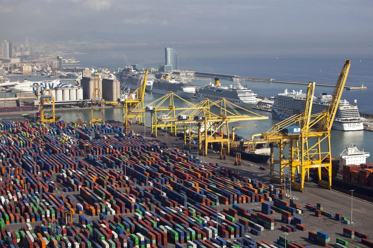(Ampl.) El déficit comercial aumentó un 6,3% hasta febrero pese a las exportaciones récord