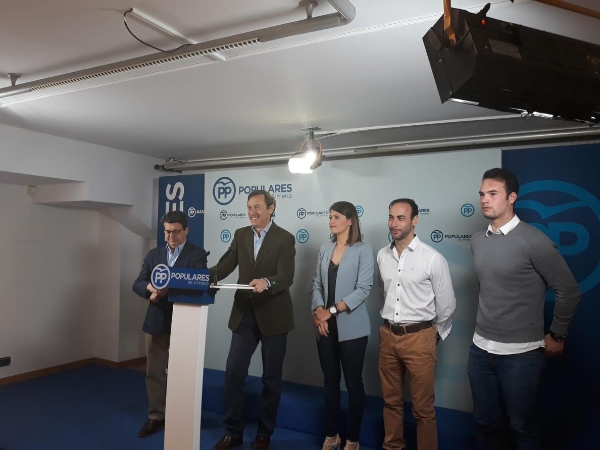 Hernando (PP) dice que no le «extraña» que Valls halle «acomodo» en Cs porque «todo el mundo sabe su origen socialista»