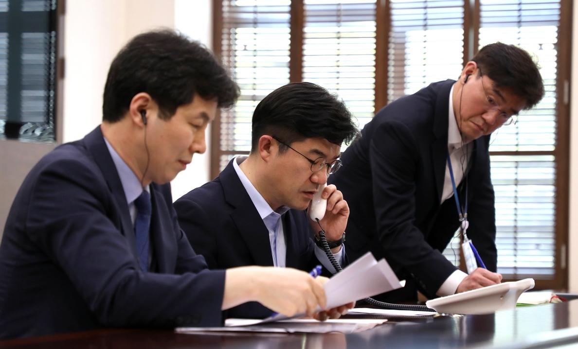 Seúl y Pyongyang cuentan ya con una línea telefónica directa ante la cumbre