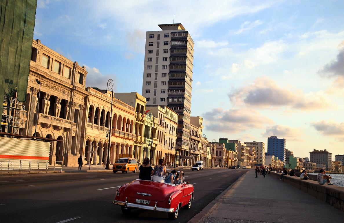 Los cubanos reciben a Díaz-Canel sin sorpresa y con anhelo de prosperidad