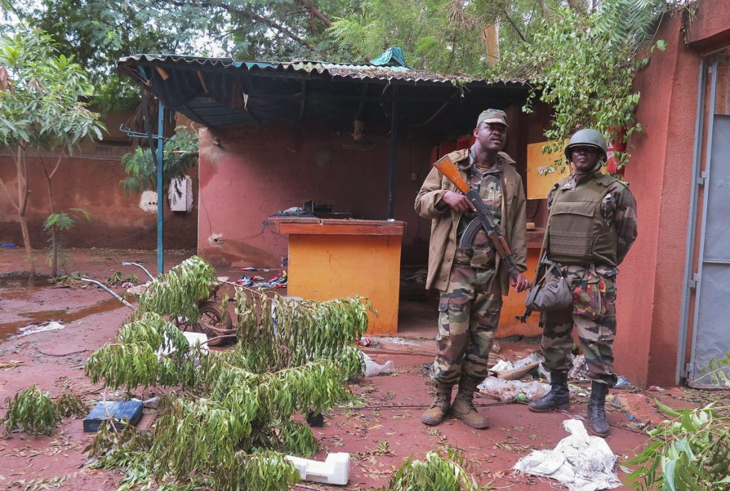 Grupo leal a Al Qaeda reivindica atentado contra una base de la ONU en Mali