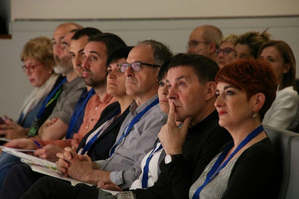 Otegi valora la «inversión de futuro» de ETA mientras el PNV «pone la pelota en el mismo tejado y negocia los PGE»
