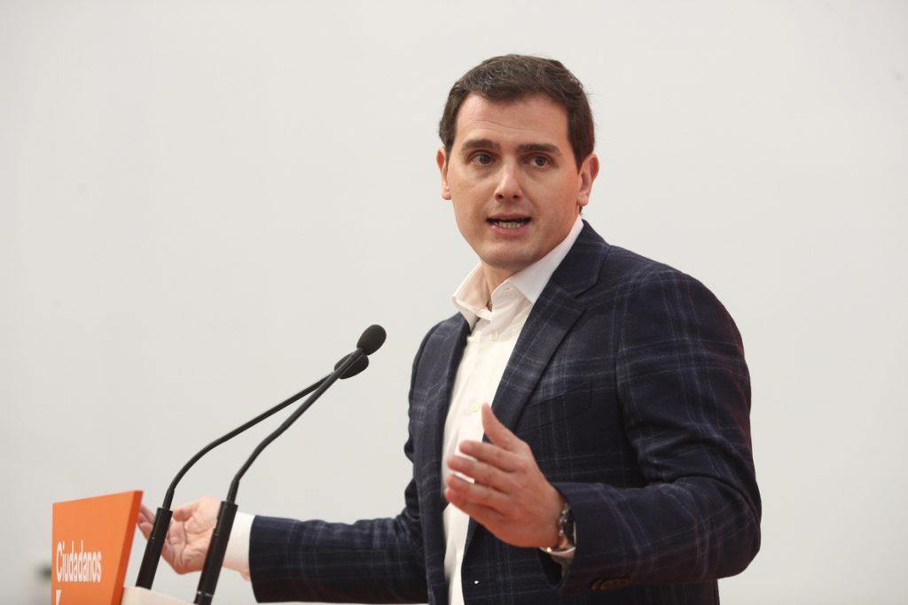 Rivera avisa de que Ciudadanos rechazará cualquier intento de dar «privilegios penitenciarios» a presos de ETA