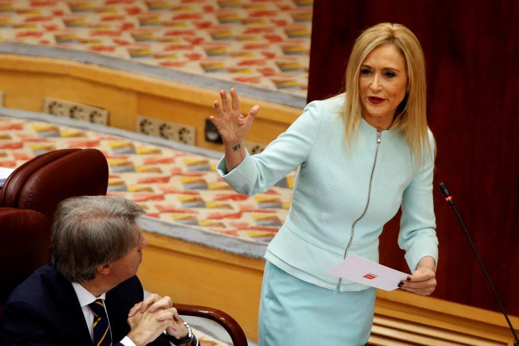 Rivera urge a Rajoy a decidir el futuro de Cifuentes y buscarle sustituto