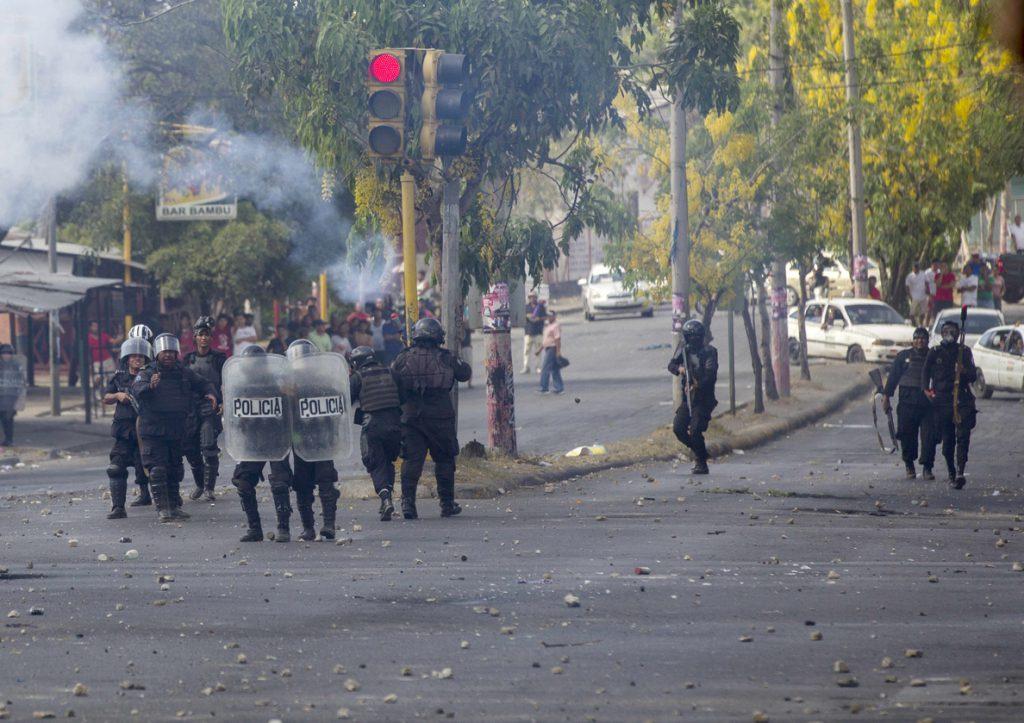 EE.UU. condena la violencia y el uso excesivo de la fuerza policial en Nicaragua