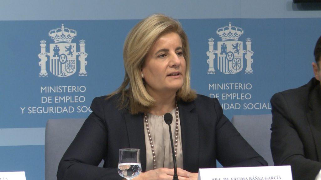 Báñez afirma que la caja única de la Seguridad Social «también es España y no se toca»