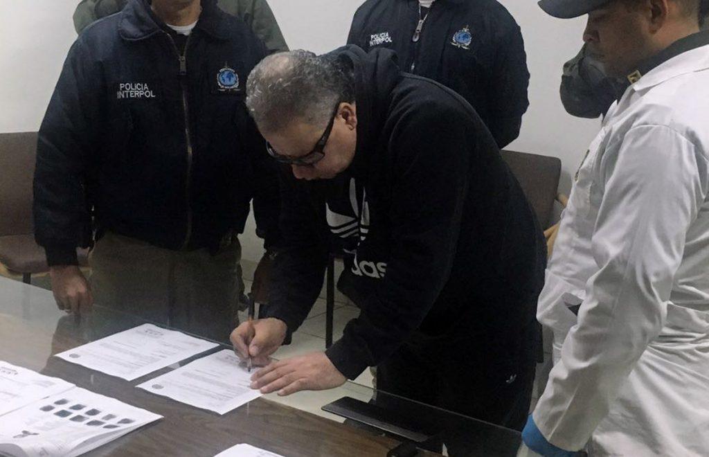 Colombia extradita a Estados Unidos al exjefe paramilitar «Don Mario»