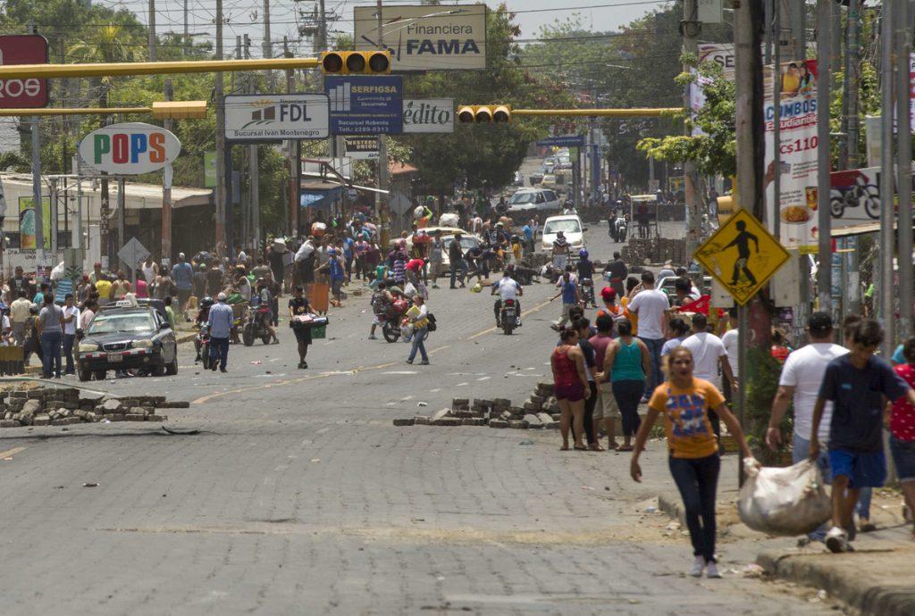Nicaragua, en sexto día de protestas y a la espera de la gran marcha por la paz