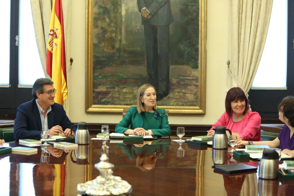 El PSOE quiere que la Mesa del Congreso acepte mañana revisar los 58 vetos del Gobierno a leyes de la oposición