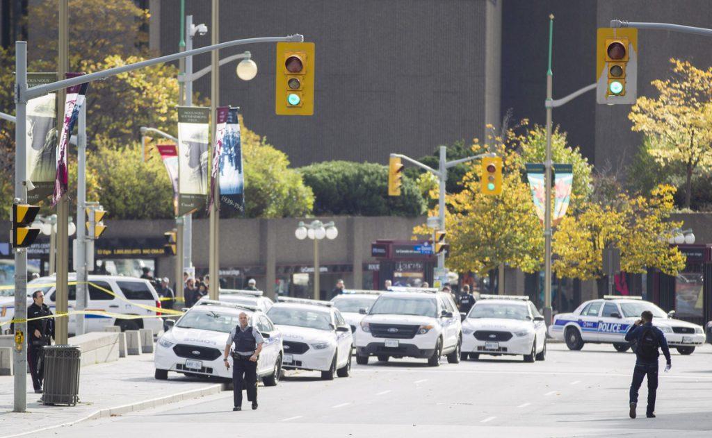 La Policía detiene al conductor de la furgoneta que arrolló a un grupo de personas en Toronto (Canadá)