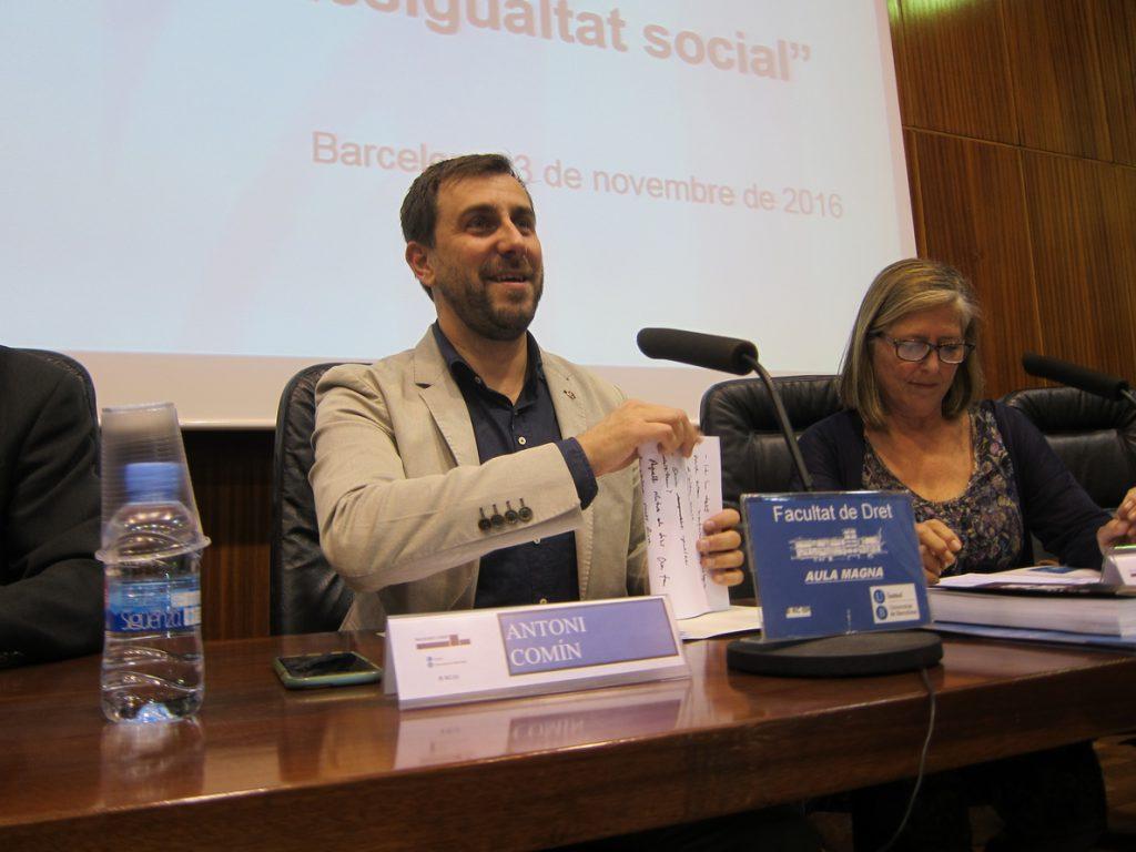 Catalá asegura que el Gobierno está estudiando impugnar el acuerdo para que Toni Comín (ERC) delegue el voto