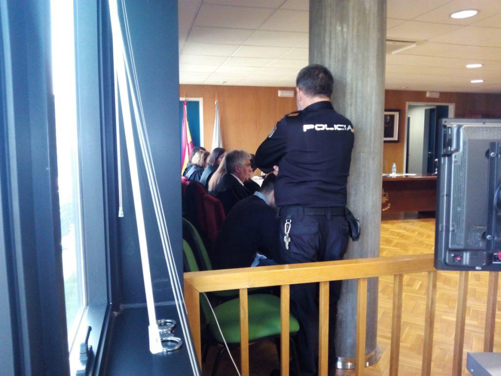 Condenado a 20 años de cárcel un hombre que asesinó a golpes a su novia en un piso de Vigo