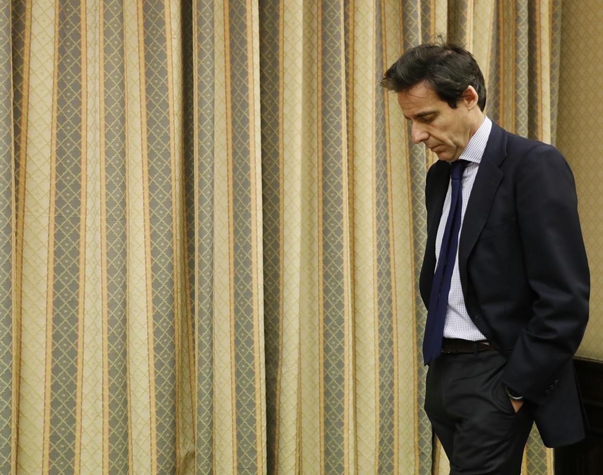 El juez propone llevar a juicio a López Martín y Villarejo por hostigar a la doctora Elisa Pinto