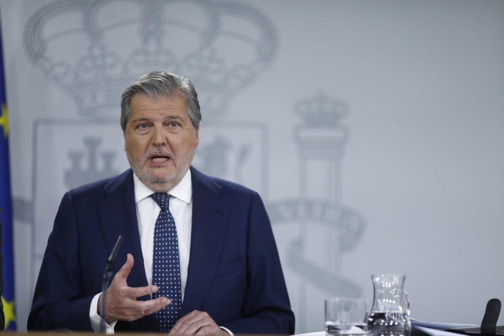 Méndez de Vigo acusa a PSOE de usar el máster para «atacar» a Cifuentes y revertir el voto de 2015 con moción de censura