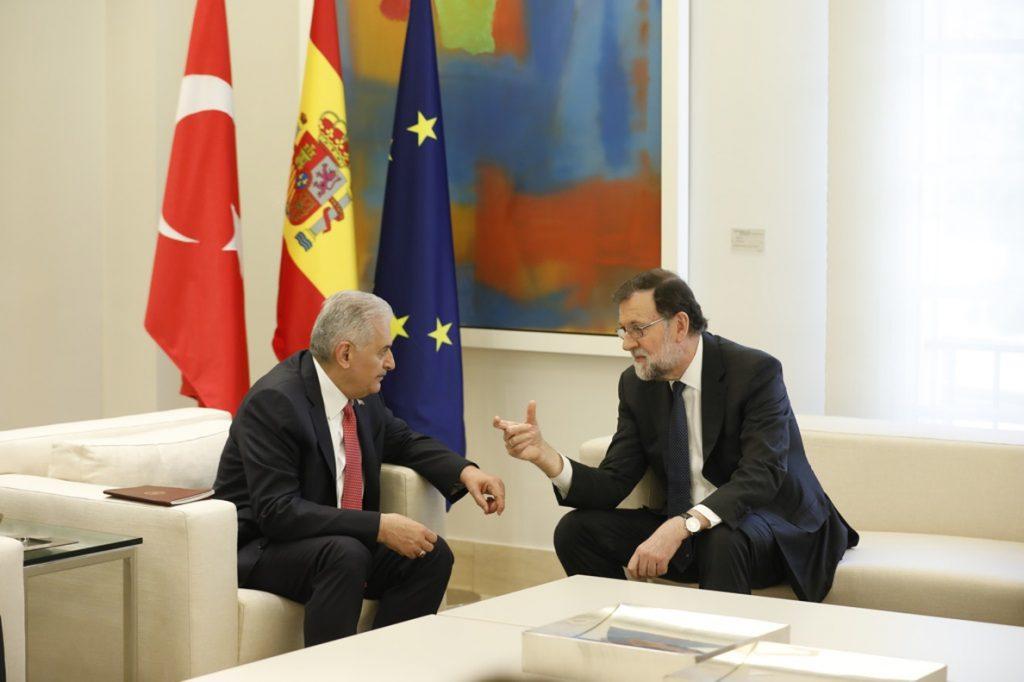 Rajoy deja en manos del PP el recurso contra el voto delegado de Comín y urge a recuperar «la cordura» en Cataluña