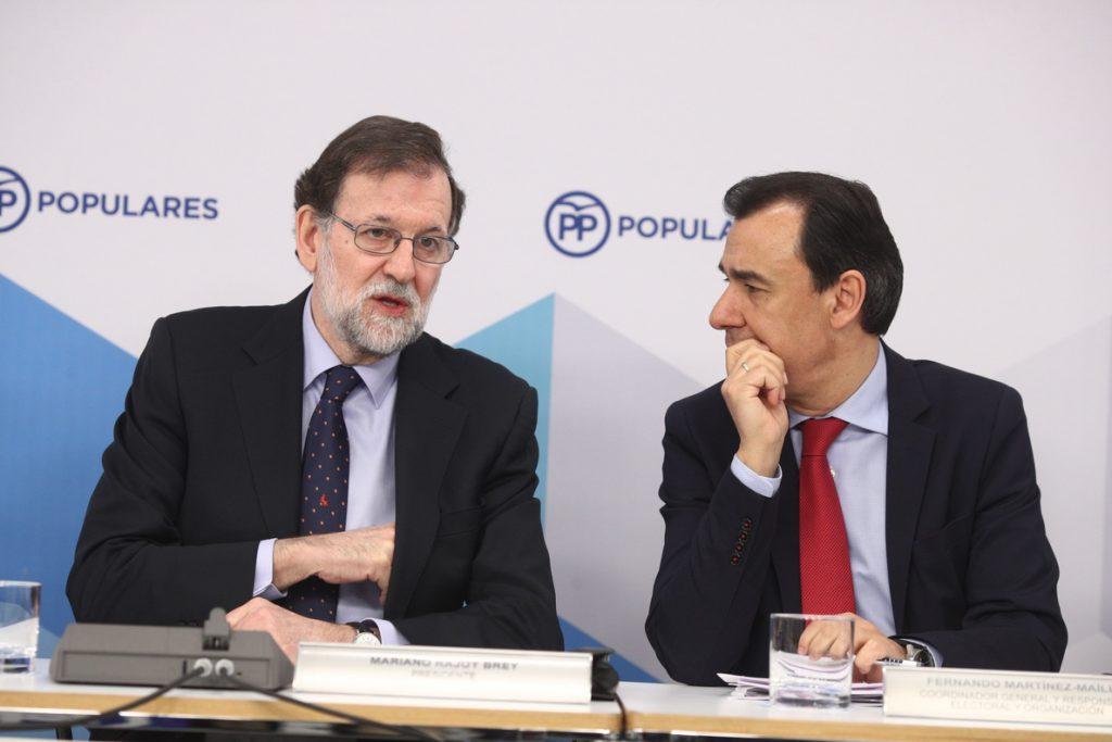 'Génova' cree que Cifuentes debe dejar también la Presidencia del PP de Madrid y recuerda que Rajoy es quién decide