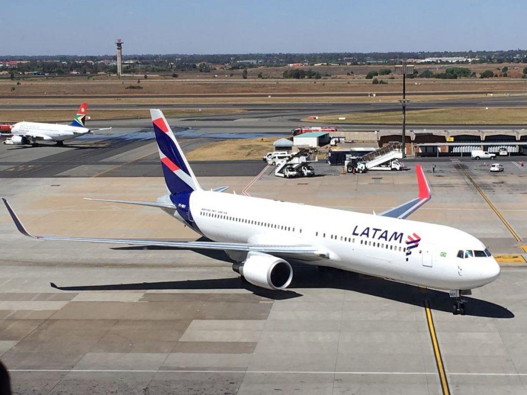 LATAM prolonga las cancelaciones de sus vuelos por la huelga de sus trabajadores en Chile