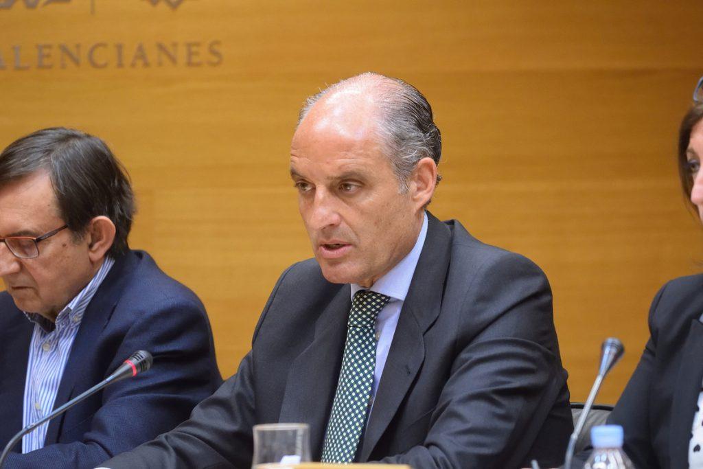 Camps dice que no conocía «para nada» a Orange Market y que quiso el Congreso del PP fuera en València para venderla