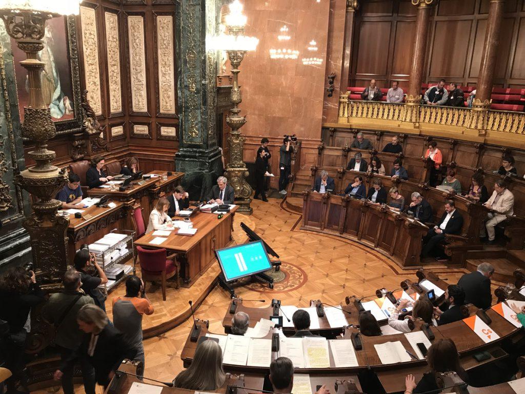 Barcelona se declara contraria al mantenimiento de cetáceos en cautiverio
