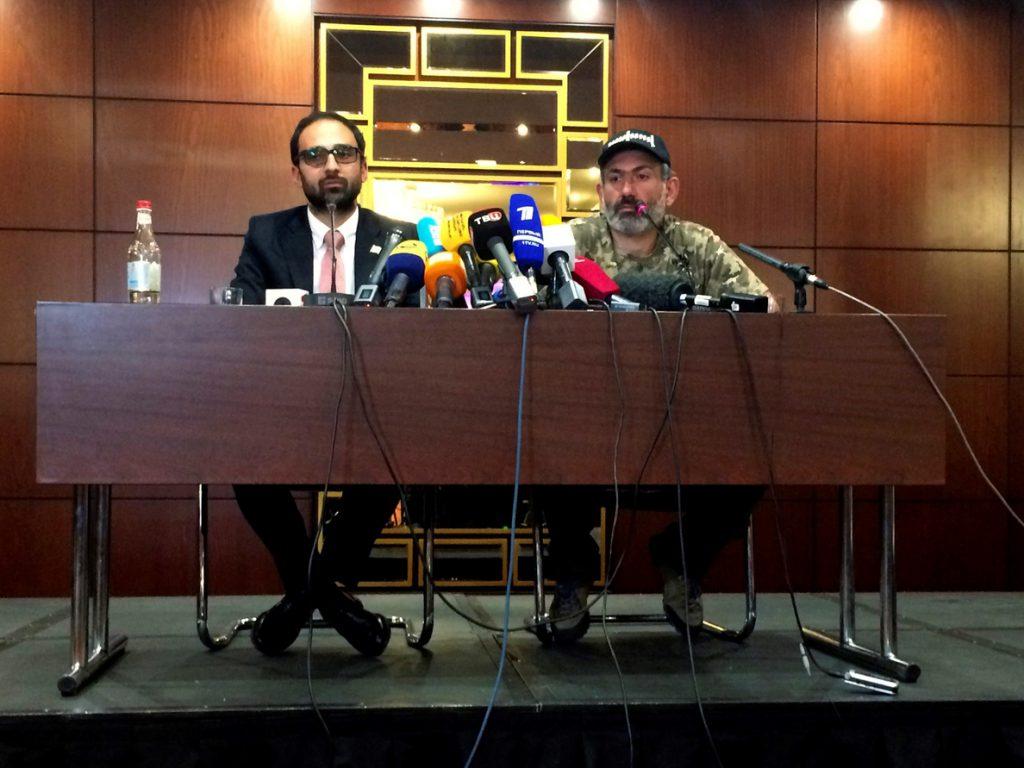 Líder opositor armenio dice que Rusia, UE y EEUU no interfieren en la crisis