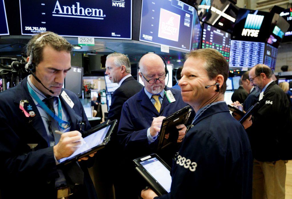 Wall Street opera mixto a media sesión y el Dow baja un 0,07 %