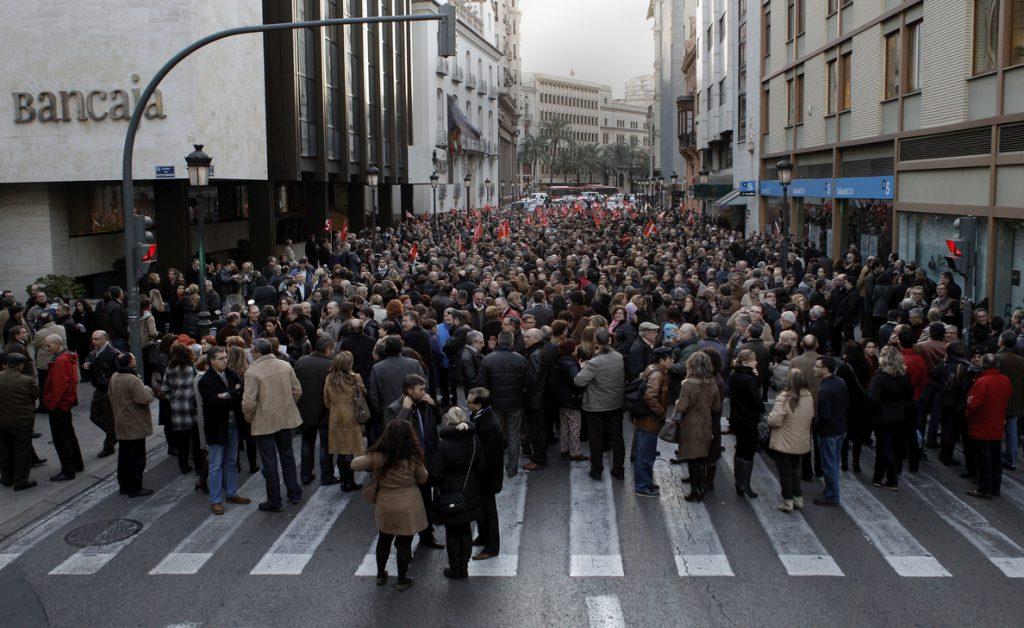 El sector bancario pierde 83.405 empleos desde 2008, el 31 % de la plantilla