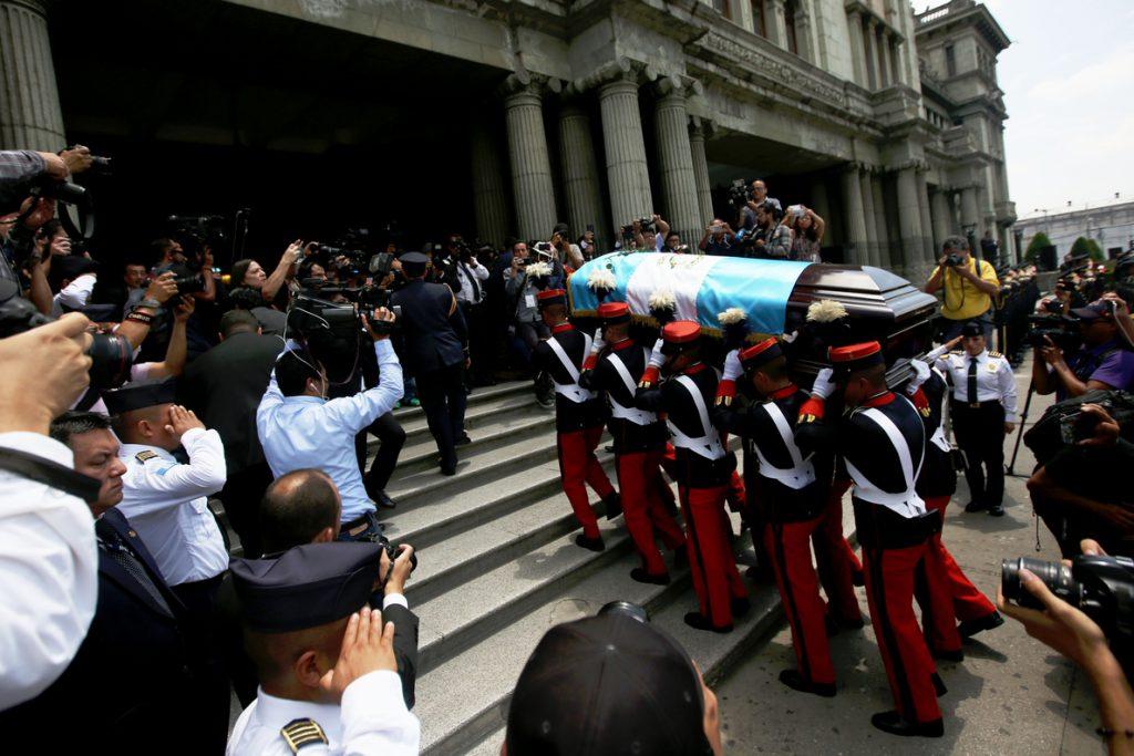 Guatemala despide a Arzú, un «amigo caminante» de la paz y el desarrollo