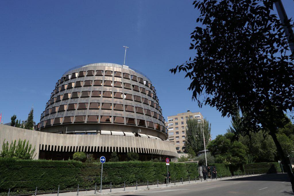 El TC admite el recurso del Gobierno contra la ley de universalización sanitaria catalana