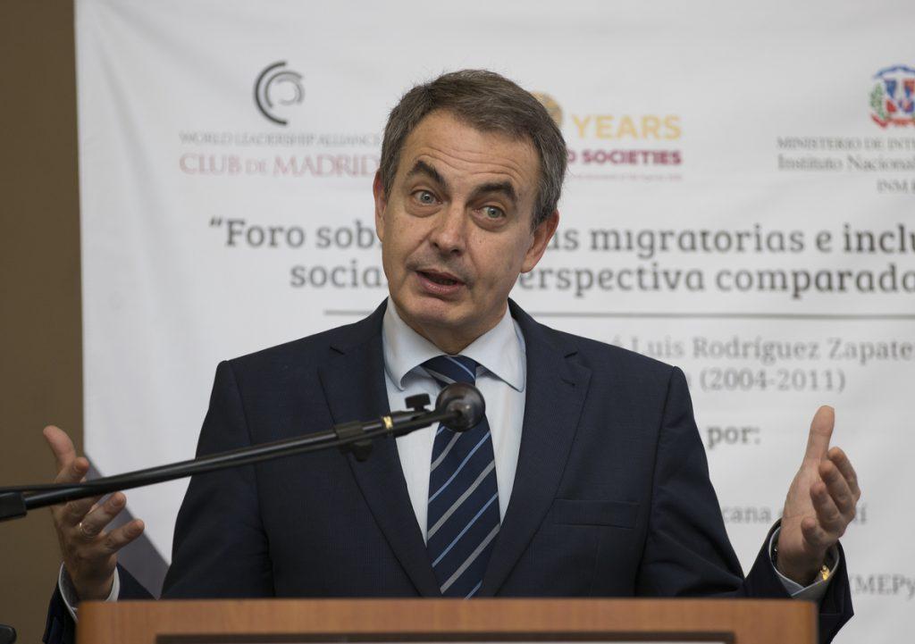 Zapatero: «El fin de ETA representa la fortaleza moral de la democracia»
