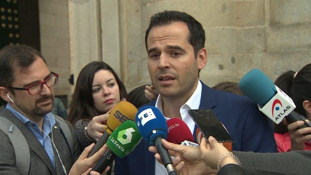 Aguado dice que es el PP quien debe gobernar pese a la «ansiedad» de Gabilondo por dirigir la Comunidad «a toda costa»