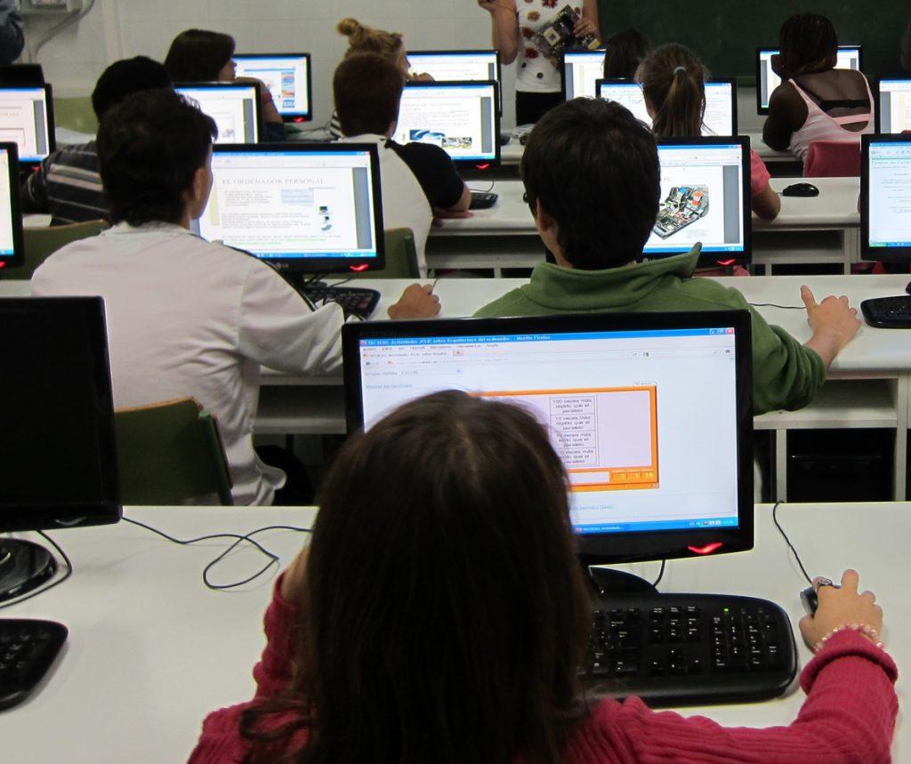 Cerca de 40.000 alumnos españoles participan hasta finales de mayo en las pruebas del informe PISA