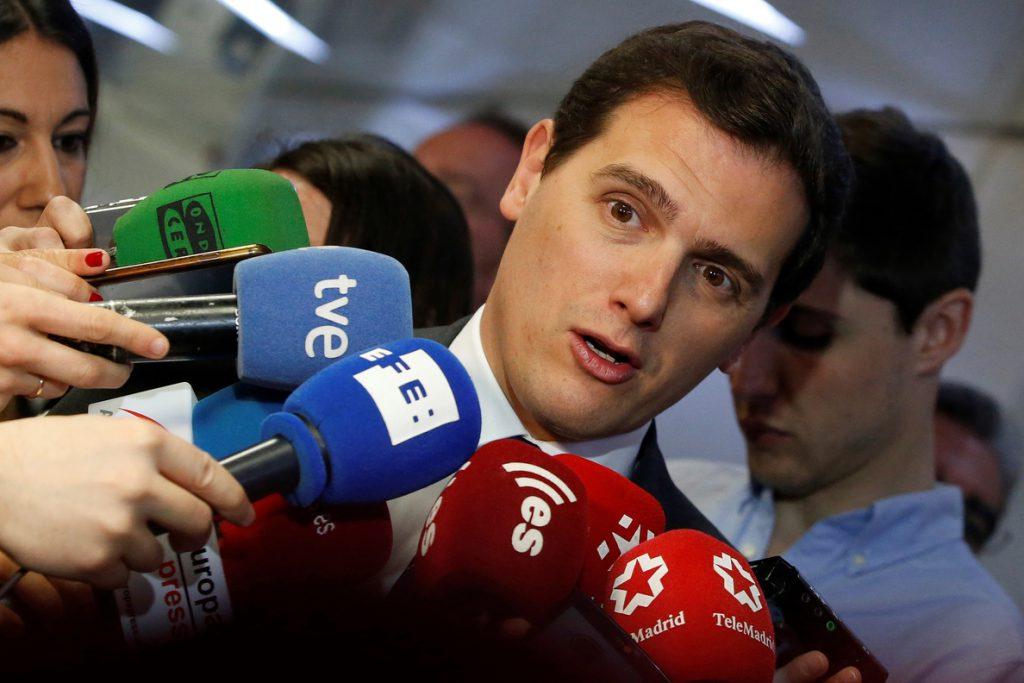Cs rechaza los llamamientos de PSOE y Podemos a cambiar el Gobierno de Madrid