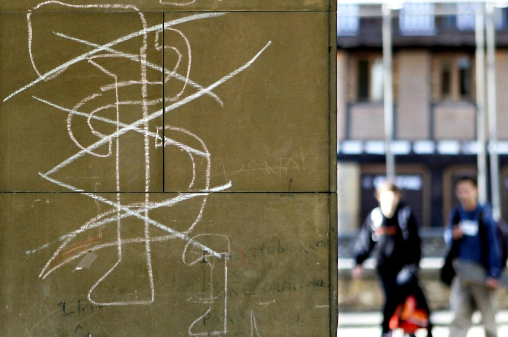 Intelectuales y víctimas piden a ETA que esclarezca 358 casos sin resolver