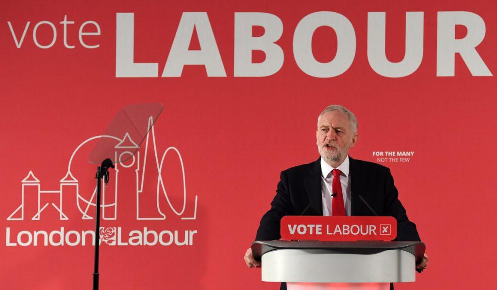 Miles de cuentas rusas apoyaron a Corbyn en las elecciones, según «The Times»